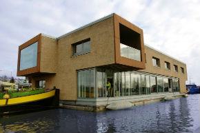Studentenwoningen Zuiderzeeweg Amsterdam. Facts architects Winnaar van de architectuurprijs 2010.